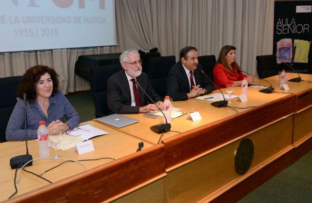 Una conferencia sobre los fundamentos históricos y filosóficos de la universidad abrió el curso del Aula Senior - 2, Foto 2