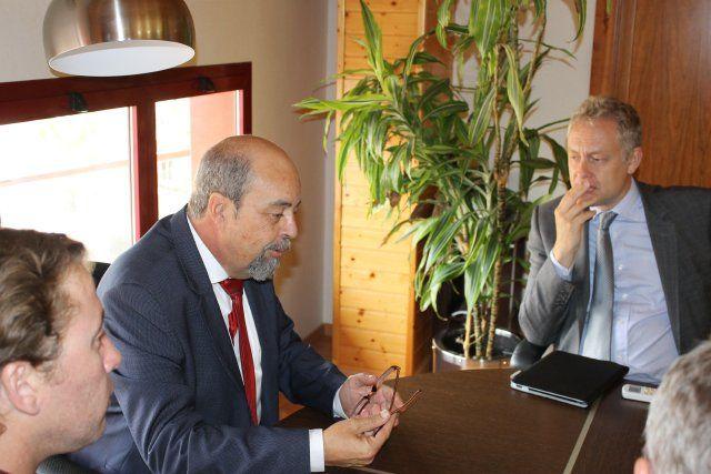 El embajador británico mantiene un encuentro con asociaciones y residentes de su país en Mazarrón - 2, Foto 2