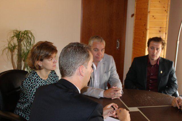 El embajador británico mantiene un encuentro con asociaciones y residentes de su país en Mazarrón - 3, Foto 3