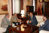 Garre recibe al secretario general confederal de UGT y al secretario general regional