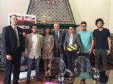 JSRM le traslada al embajador británico en España su preocupación por la emigración juvenil