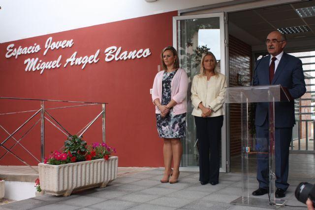 María del Mar Blanco presente en el acto de denominación del Espacio Joven de Balsicas con el nombre de su hermano Miguel Ángel Blanco - 2, Foto 2