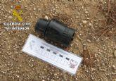 La Guardia Civil neutraliza y destruye dos artefactos explosivos hallados en el campo