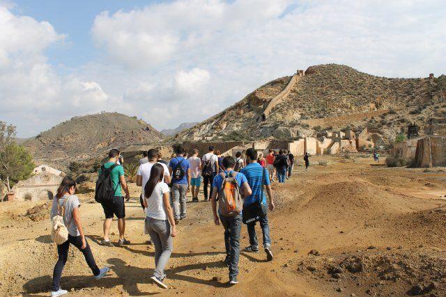 El alcalde recibe a la primera de las expediciones de los alumnos de arquitectura de la UPCT, Foto 3