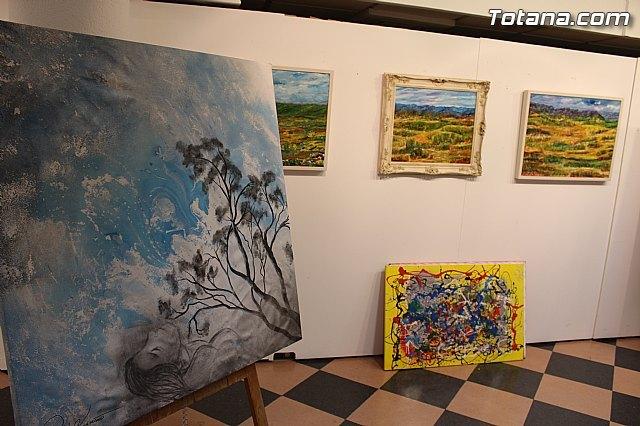 La sala municipal Gregorio Cebri�n acoge la muestra colectiva de pintores murcianos Luz positiva, Foto 1