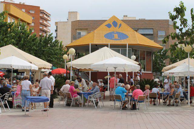 La Asociación Ecuménica de Camposol realiza su particular oktober fest en Puerto de Mazarrón, Foto 2