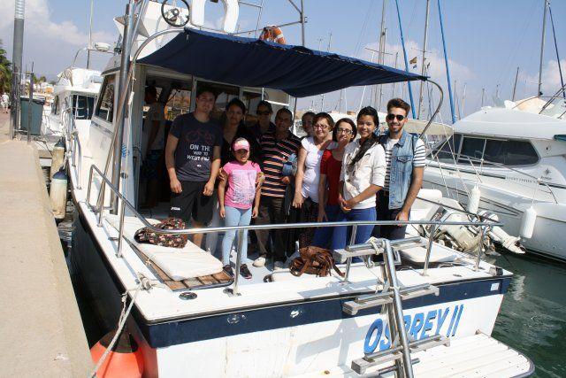 Una veintena de jóvenes disfruta de un avistamiento de cetáceos en la Bahía de Mazarrón, Foto 3