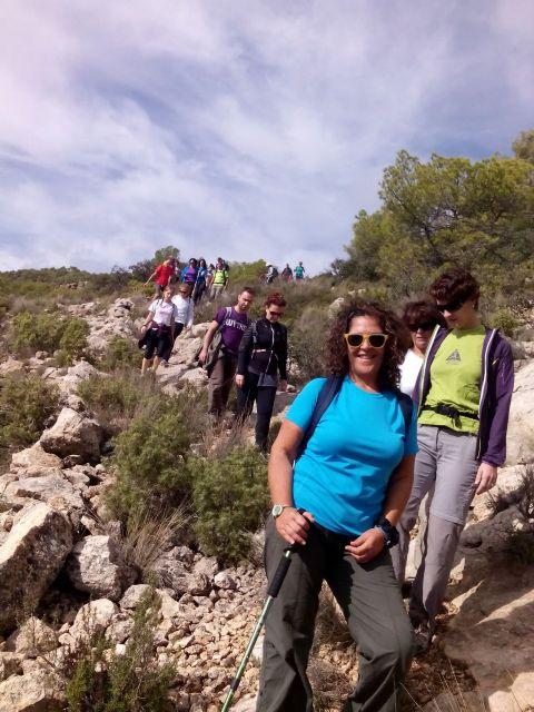 La concejalia de Deportes organizó una ruta de senderismo por la Zarzadilla de Totana, Foto 2