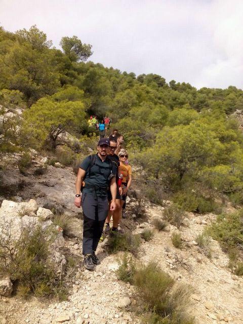 La concejalia de Deportes organizó una ruta de senderismo por la Zarzadilla de Totana, Foto 4