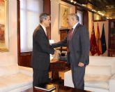 El presidente de la Comunidad, Alberto Garre, recibe al alcalde de Campos del Río, Miguel Buendía