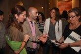 Decenas de personas descubren junto a Nico Munuera su exposición ´Frame Time´ de la Sala Verónicas