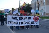 Cientos de personas se manifiestan en la Costera Sur bajo el lema 'Pan, trabajo, techo y dignidad'