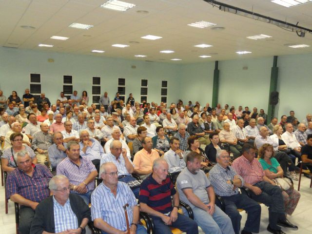 More than 1,000 partners and affected attending informational meetings about drought and aid for organic farming, Foto 2