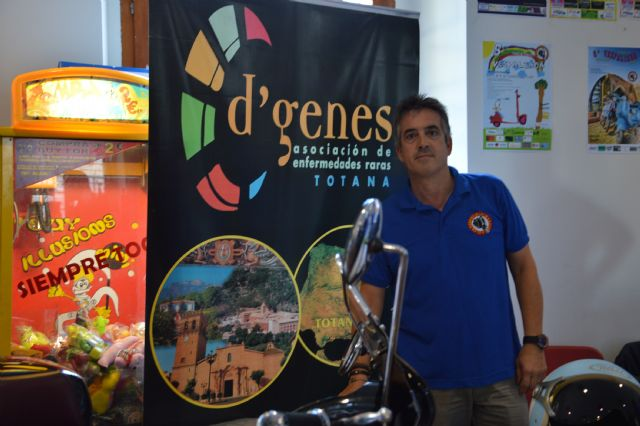 "A total of 231 euros was raised for the association D'Genes VII Vespaliada ""Ciudad de Murcia"", Foto 6"
