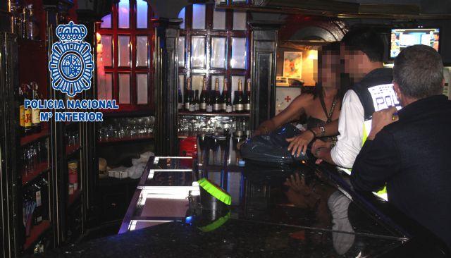 La Policía Nacional detiene a cuatro trabajadores de un club de alterne como presuntos autores de los delitos de extorsión y tráfico de drogas - 1, Foto 1