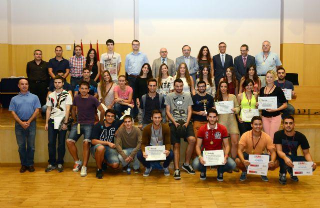 Entrega de premios a los alumnos ganadores del Torneo de Bienvenida de la Universidad de Murcia - 1, Foto 1