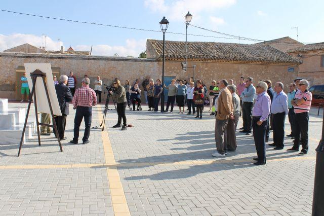 El alcalde y el concejal de pedanías presentan las obras realizadas en la Plaza de las Escuelas de la Cañada del Trigo - 4, Foto 4