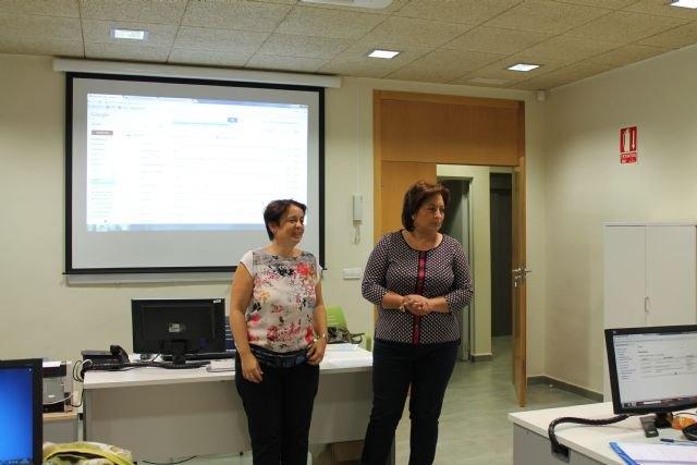 La Concejalía de la Mujer clausura dos nuevos cursos de Iniciación a la informática y Empleo en la Red - 3, Foto 3