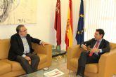 Reunión del consejero de Presidencia y Empleo y el alcalde Molina de Segura