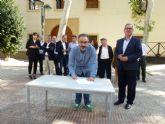 El candidato a alcalde de Caravaca de la Cruz, José Moreno Medina, ha firmado el código de compromiso ético