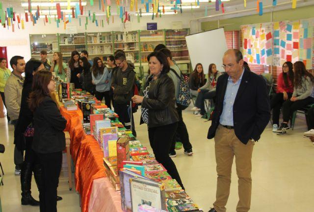 El IES Rambla de Nogalte organiza una Feria del Libro en colaboración con las librerías locales - 1, Foto 1