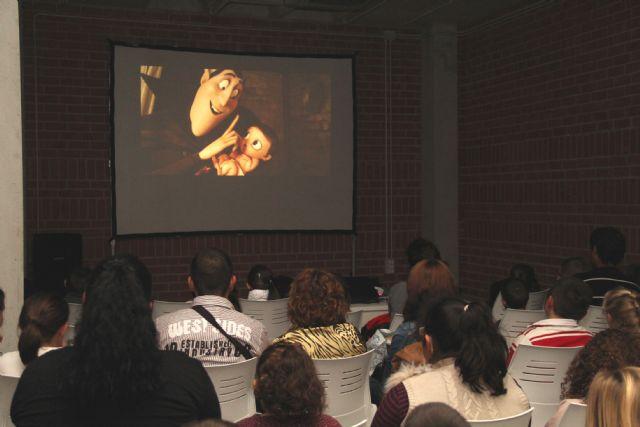 Gran éxito de participación en el primer Ciclo de Cine - 1, Foto 1