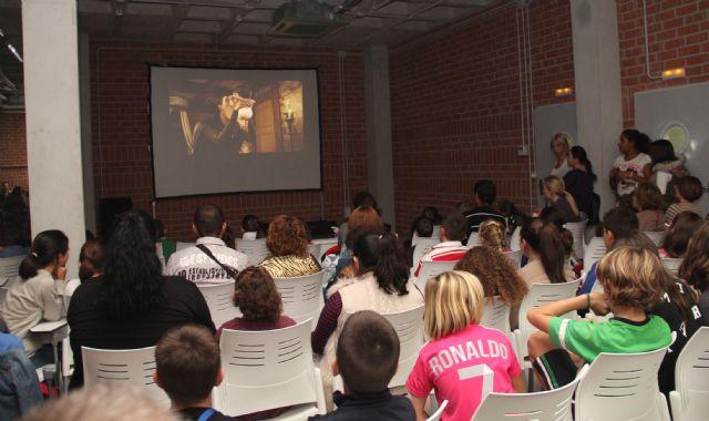 Gran éxito de participación en el primer Ciclo de Cine - 2, Foto 2
