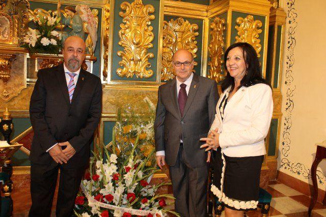 Los mazarroneros rinden homenaje a la patrona con la tradicional ofrenda de flores - 2, Foto 2