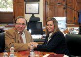 La consejera de Medio Ambiente de Andalucía destaca el valor del conocimiento en la firma de un convenio con la Universidad de Murcia