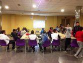 Los estudiantes de Secundaria de Alguazas viven una grata jornada de videojuegos con el 'Suma y sigue' local
