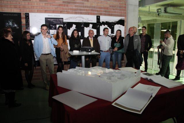 El arquitecto lumbrerense Cayetano Fernández Tamayo expone su proyecto fin de carrera sobre el casco antiguo de Puerto Lumbreras en la sala de exposiciones del Complejo Cultural Auditorio - 1, Foto 1