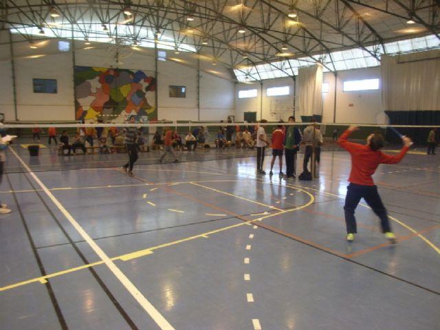 La Concejalía de Deportes organizó la Fase Local de Bádminton de Deporte Escolar., Foto 4