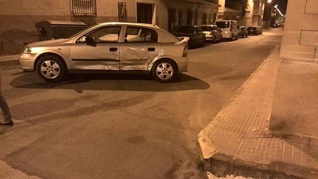 La Policía Local de Totana localizó ayer al conductor que provocó un accidente en la noche del sábado al domingo y se dio a la fuga, Foto 1