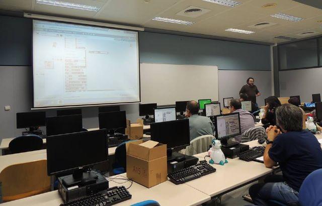 La Concejalía de Educación financia un proyecto dirigido a los alumnos de los IES Juan de la Cierva y Prado Mayor, Foto 2