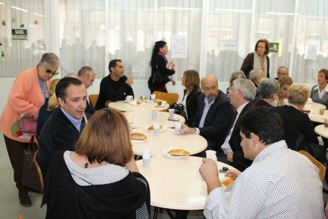 El Centro de Personas Mayores de Puerto de Mazarrón cierra los actos del XXII aniversario, Foto 3