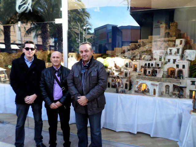 La Asociación Belenista de Lorca inaugura el Belén del Centro Comercial Parque Almenara, obra del maestro Belenista lorquino Ignacio Simón - 1, Foto 1