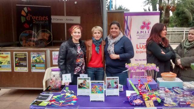 D´Genes, presente en la Feria del Voluntariado celebrada en Alhama de Murcia, Foto 1