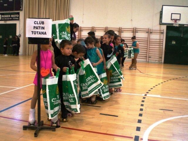 El I Trofeo Amistad de Patinaje Art�stico congrega a m�s de 150 j�venes patinadores procedentes de diferentes clubes murcianos y de Madrid y Galicia, Foto 3