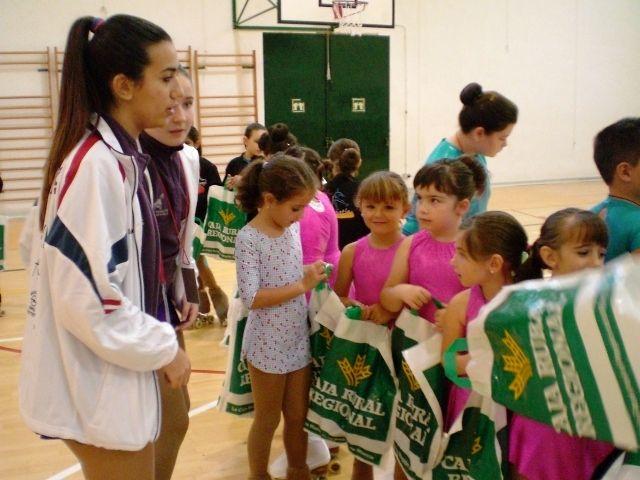 El I Trofeo Amistad de Patinaje Art�stico congrega a m�s de 150 j�venes patinadores procedentes de diferentes clubes murcianos y de Madrid y Galicia, Foto 4