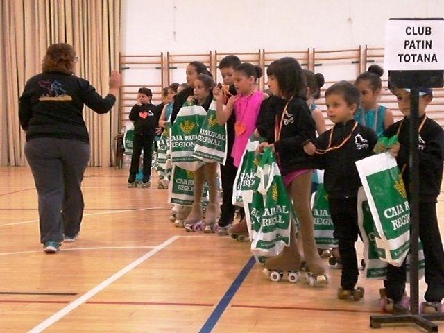 El I Trofeo Amistad de Patinaje Art�stico congrega a m�s de 150 j�venes patinadores procedentes de diferentes clubes murcianos y de Madrid y Galicia, Foto 5
