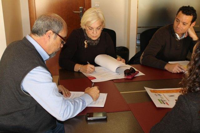 Ayuntamiento y asesorías firman convenio del cheque emprendedor - 1, Foto 1