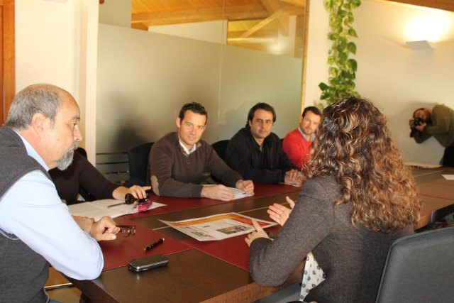 Ayuntamiento y asesorías firman convenio del cheque emprendedor - 2, Foto 2