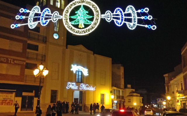 Las luces navideñas iluminan el centro de Puerto Lumbreras con iluminación led, para favorecer el ahorro energético - 1, Foto 1