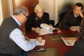 Ayuntamiento y asesor�as firman convenio del cheque emprendedor