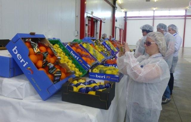 La Comunidad enseña la producci�n hortofrut�cola de la Regi�n a nueve grandes empresas de Kazajist�n, Bielorusia y Ucrania, Foto 2