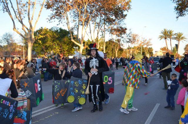 Un multitudinario desfile de carrozas ponía fin ayer a las fiestas patronales 2014 - 2, Foto 2