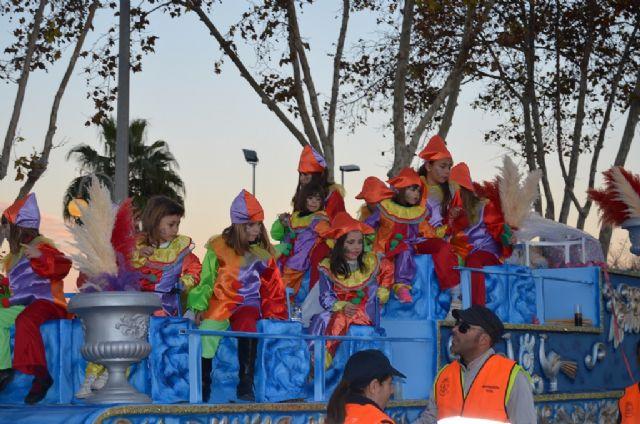 Un multitudinario desfile de carrozas ponía fin ayer a las fiestas patronales 2014 - 3, Foto 3