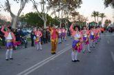 Un multitudinario desfile de carrozas ponía fin ayer a las fiestas patronales 2014