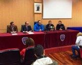 Bomberos del CEIS de Molina de Segura organizan una jornada de puertas abiertas para recoger alimentos para los niños necesitados