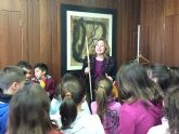 Los escolares visitan el Ayuntamiento con motivo del trigésimo sexto aniversario de la Constitución